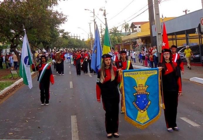Desfile Cívico - 07 de Setembro