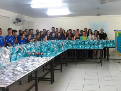 Colégio Londrinense e Grupo High Tea realizam entrega de donativos na Guarda Mirim